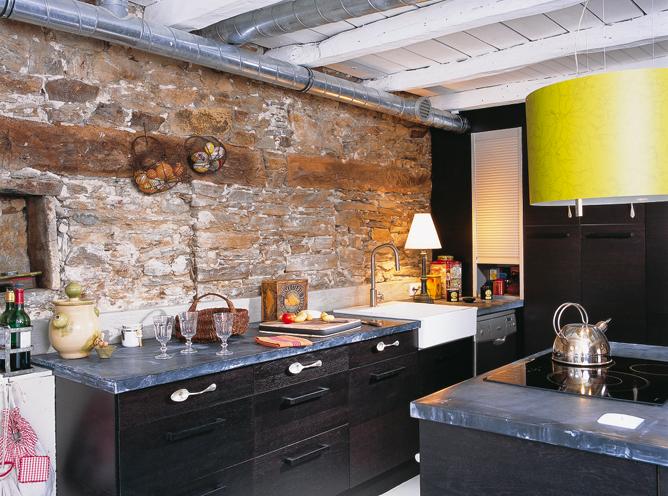 R novation d 39 une maison de p cheur - Lajas para paredes interiores ...