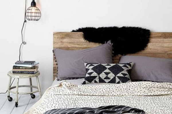 une t te de lit fait maison blueberry home. Black Bedroom Furniture Sets. Home Design Ideas