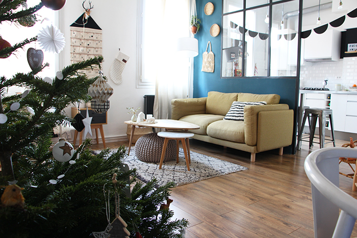 Ma d co de no l en noir et blanc blueberry home - Deco noel salon ...