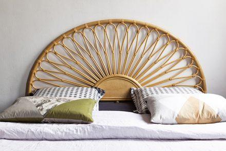 chambre déco vintage tête de lit rotin