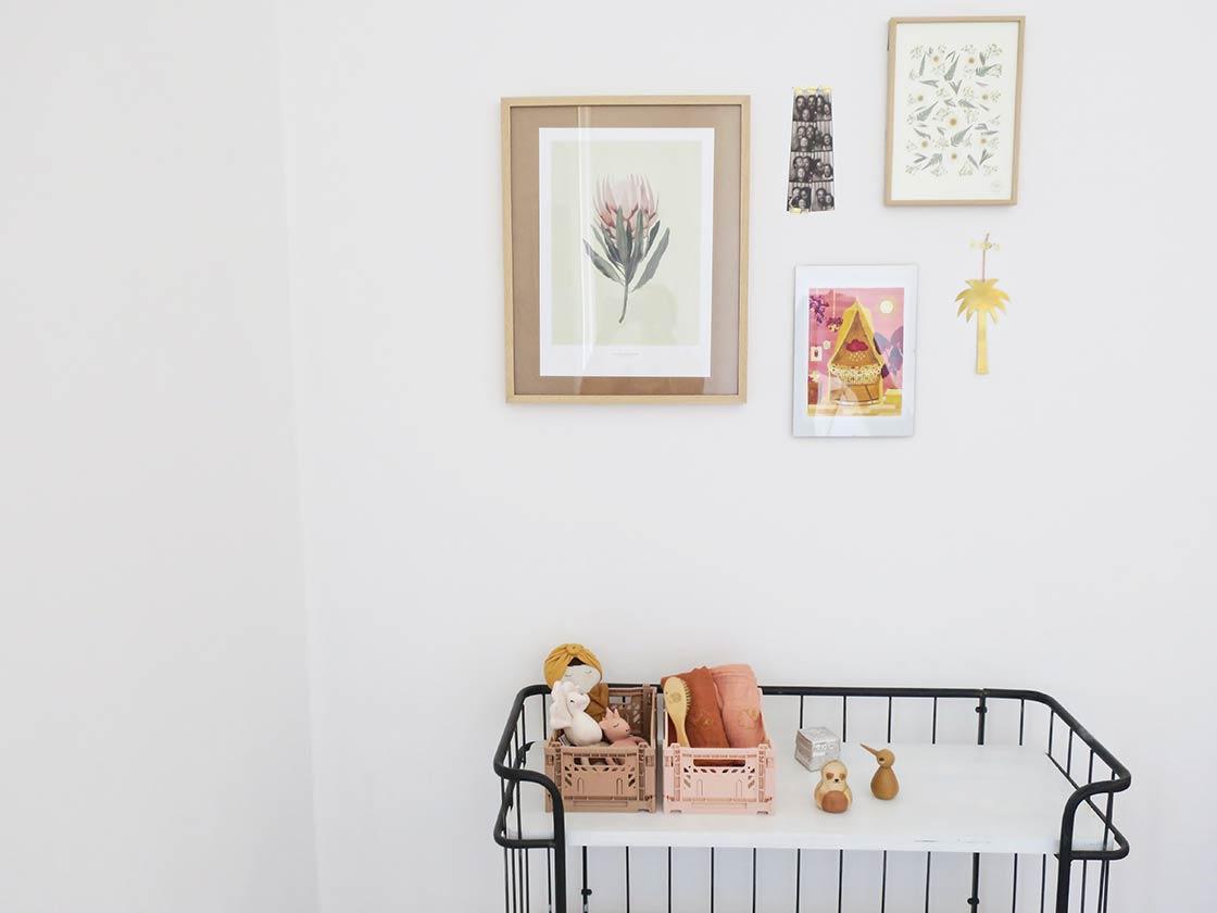 mur de cadres chambre bébé